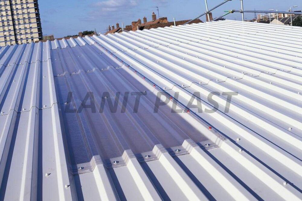 Trapézový polykarbonát Suntuf CS TR 207/35 síla 1,0 mm čirý výprodej 1,075x5m