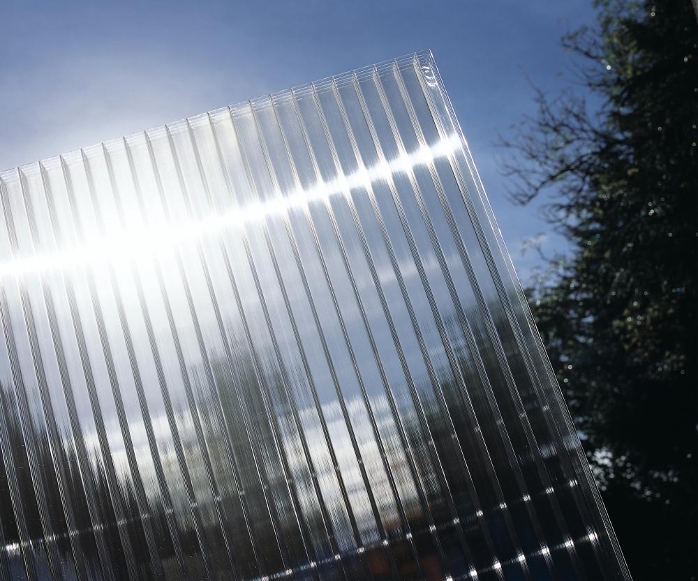 Polykarbonát komůrkový 10 mm čirý - 2 stěny - 1,7 kg/m2 2,10x6m